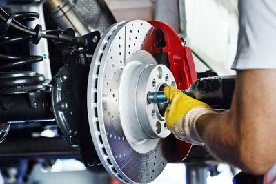 Eine Bremsscheiben Abdrehmaschine hilt die Umwelt zu schützen